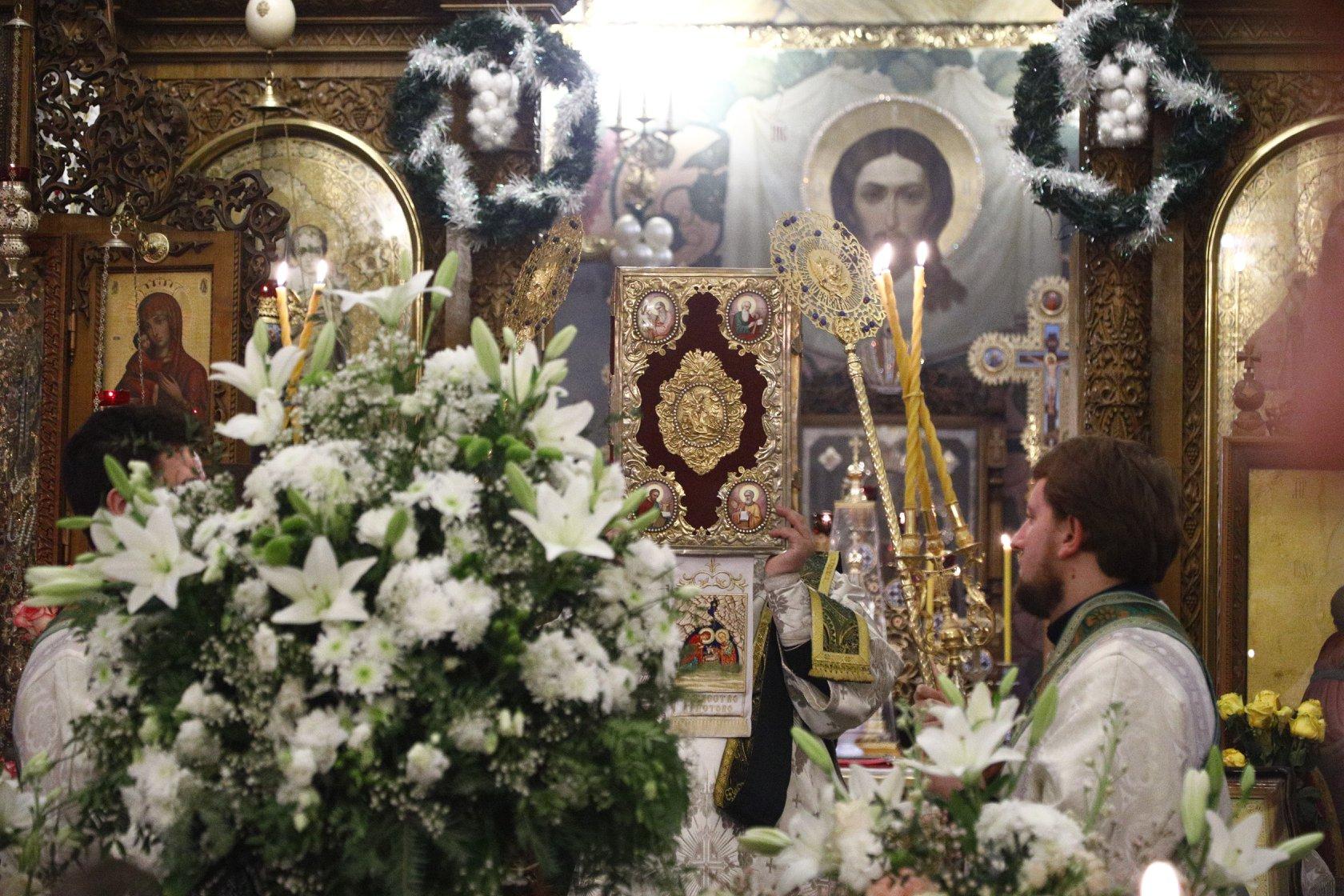 Всенощное бдение накануне дня памяти преподобного Серафима Саровского